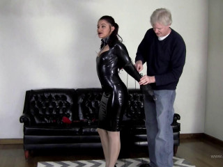 Enchantress Sahrye : Leather Strap Hogtie In Tight Latex