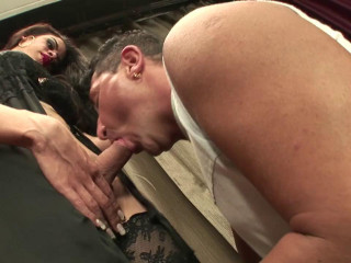 Tatted tranny Brenda Rips Pierre Ass(2015)