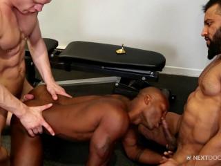 Hot 3some Osiris Blade, Caleb King & Damian Flexxx (720p)