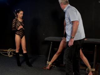 Roxy and the wheel of full pain scene 2
