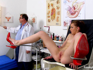 Romi (18 years femmes gynecology exam)