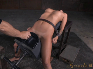Fabulous blonde Madelyn Monroe strapped on a sybain and extremely demolished by dick! Brutish deepthroat!