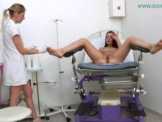 Terezza Bizzare (24 years gal gynecology exam)