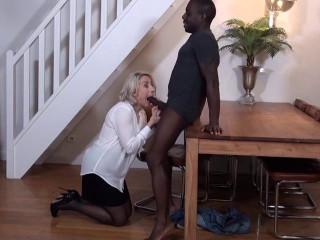 Julie, prof de français dans un lycée privée (2018)