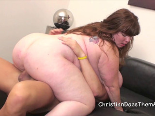 Huge-titted Lexxxi Luxe gets boned rock-hard