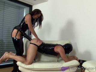 Spandex Dominatrix Gets Her Strap dildo