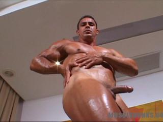 MuscleHunks - Bruno Dorado - Ruggedly Handsome Muscle Man