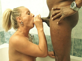 Scorching humungous mounds urinate lover Cougar