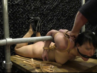 Hogtie Challenge with Fayth on Fire at Venus Fair