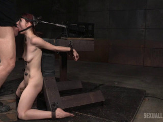 Violet Monroe does spitting deep-throat on 2 cocks while rigidly bound in the deep throat machine!