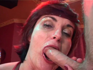 Superslut wooly Cougar Piroska Analised