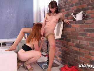 Amarna Miller and Chelsy Suns - Let's Play Pervert