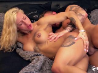XXX Fit Sandy - Hot alternative German minx fucks horny stranger on couch