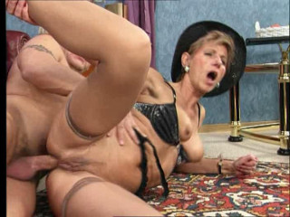 old mature ladies trying young cocks in their pussy