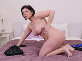 Nicol (31) - Horny housewife Nicol playing with herself
