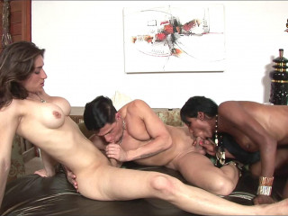 Adriana, Perla And Alex Threesome!