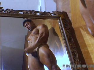 MuscleHunks - Ricardo Rey - Ricardo in Rio