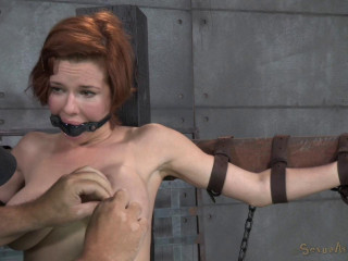 Wonderful chesty Mummy Veronica Avluv does violent drooling fellate while crucified on a sybain!