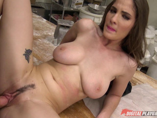Raw Cuts - Molly Jane (Baker Bitch)