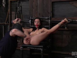 Jade Amber - Rosyln Belle - She Refuses to Submit