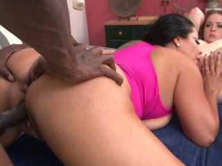 Interracial bang-out with 2 sizzling stunners