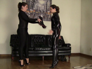 Gmoras and Elizabeth Andrews :  Into Fetish