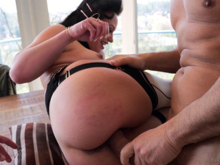 Anal Athlete Alysa Destroyed By 2 Huge Dicks With DP