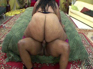 Nice Ebony BBW knows how to give good fulfillment to naughty man