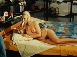 Breakfast Sex  1975  (Mike Hunter)