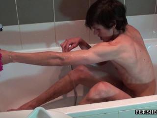 Fetishezzo - Bradley gets enema in bath