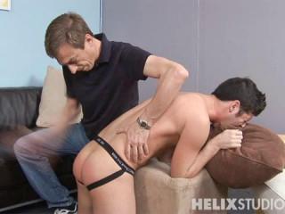 Elastic Bum Boy's Culo Penalized