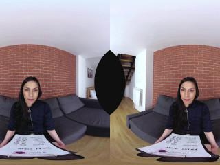 Slim girl in VR Casting