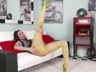 Sophia Smith - Easy access!  HD