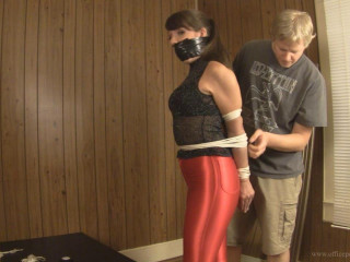 Elizabeth Andrews: Sometimes vanity gets you in trouble at the office