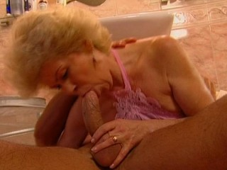 Jizzing in the cougar's gullet