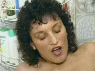 Fucking hairy pussy in the bath