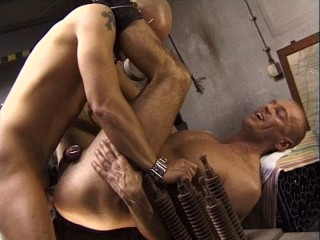 Gangbang Sex For Muscle Skins
