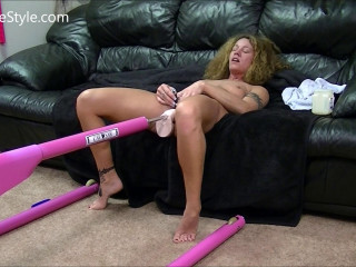 Dirty Wife Get machine fucked as I hold vibe clit until I cum hard (2017)