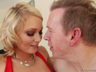 Alison Enjoys To Sate Her Dude And Heads Right To Work