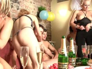 BiSex Soiree 10: Bridal Douche (Eromaxx - 2009) HDRip,720p