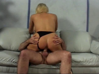 Ash-blonde with hefty jugs plays with raisins and pound