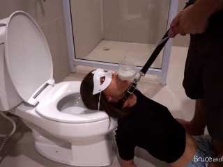 Toilet Slave - Full HD 1080p