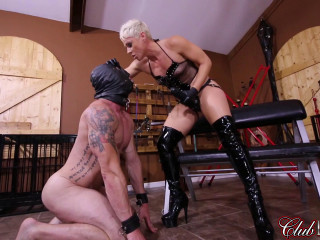 Dark-hued Strap-on Cock Smashing