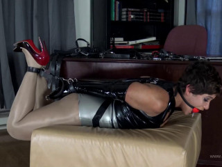 Super bondage, domination and hogtie fo latex model