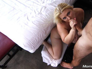 Thick MILF gets double dick