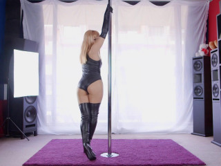 Pole Dancing Damsel
