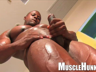Musclehunks - Orso Orfeo - Reliably Orso