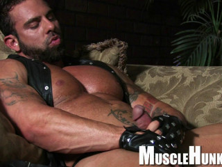 MuscleHunks - Xavier - Muscle Daddy Is Home