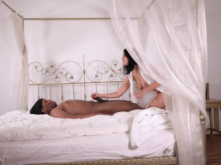 HandsOnHardcore - Kira Goddess Raunchy Russian Juggles Giant Caboose On Big black cock