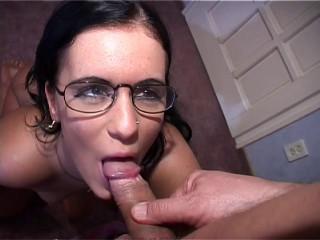 Amateur casting: Jessica licks ass